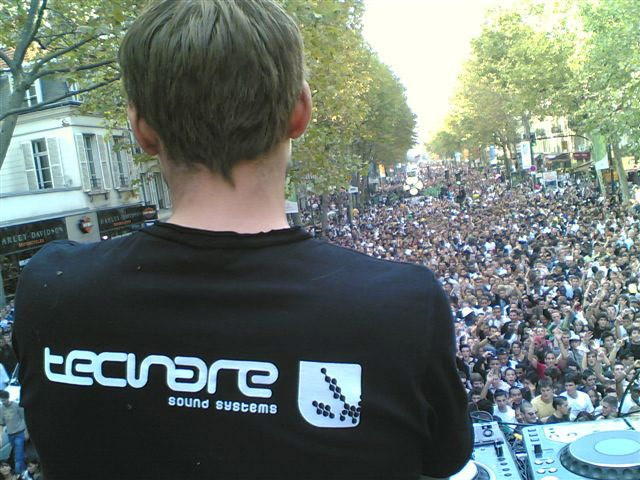 Technoparade Invaders (Paris, Francia)