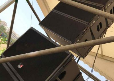 Weekend Beach Festival 2017, Tecnare Cla21 line array speaker and Tecnare SW18VR Subwoofer