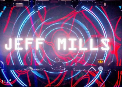 Area 42 Disco, Toledo, Spain, jeff mills performance, full of people
