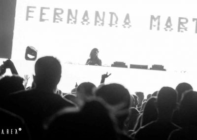 Area 42 Disco, Toledo, Spain, fernanda martins performance, full of people