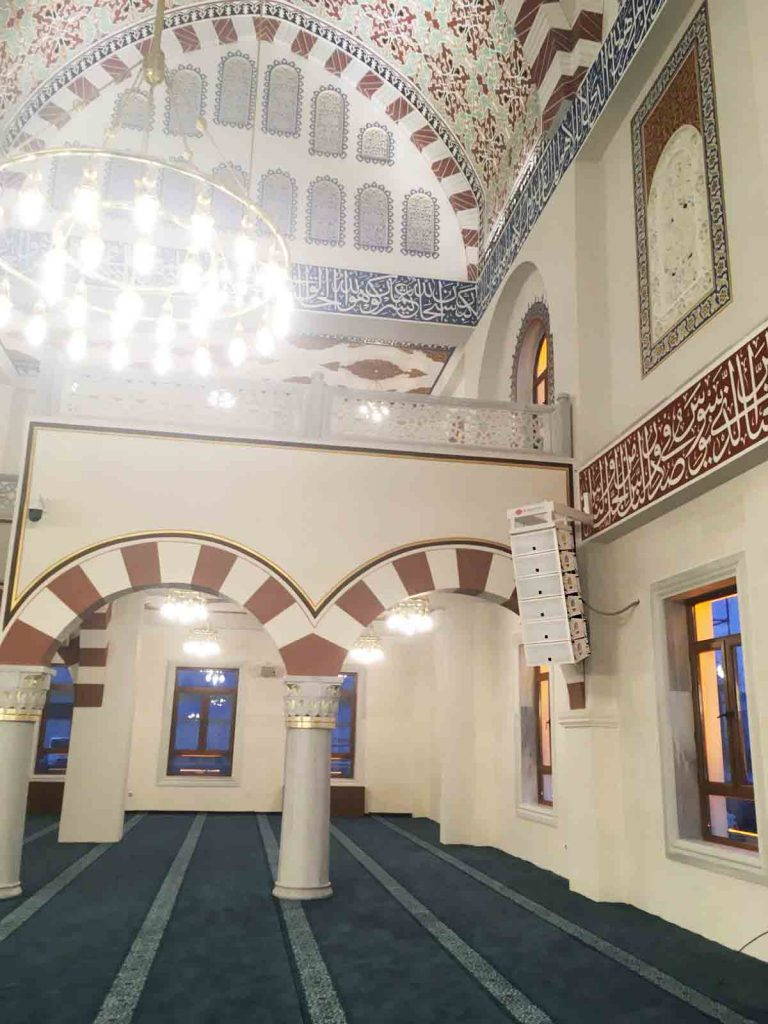 Coral Mosque 24