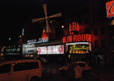 la machine du moulin rouge, outside photo