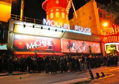 La Machine du Moulin Rouge, external view